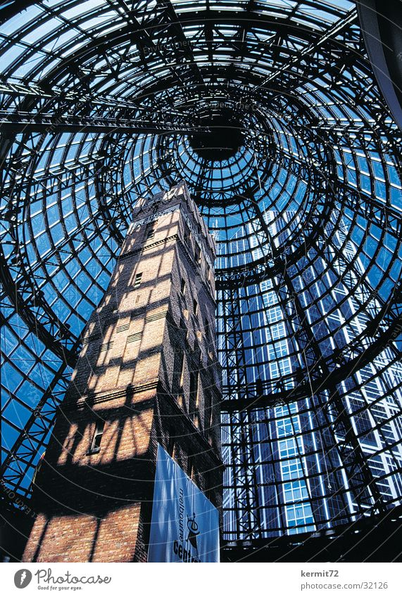 Shot Tower Fabrikhalle Glas Glaskuppel Hochhaus Symbiose Moderne Architektur Australien Himmel Industrie Backsteinwand