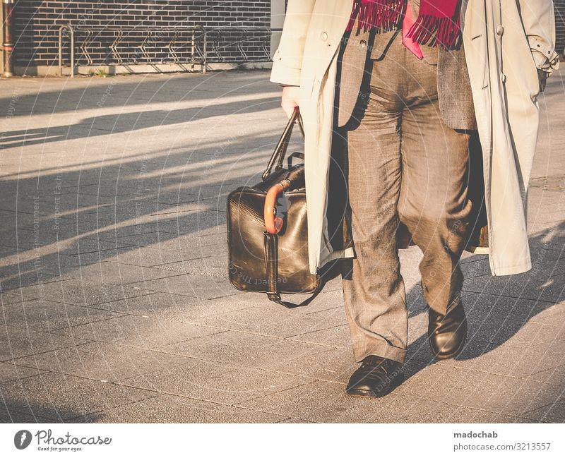 Geschichten vom Bein Lifestyle Mensch maskulin Mann Erwachsene Leben 1 Bewegung gehen laufen authentisch elegant Klischee trist Stadt Perspektive
