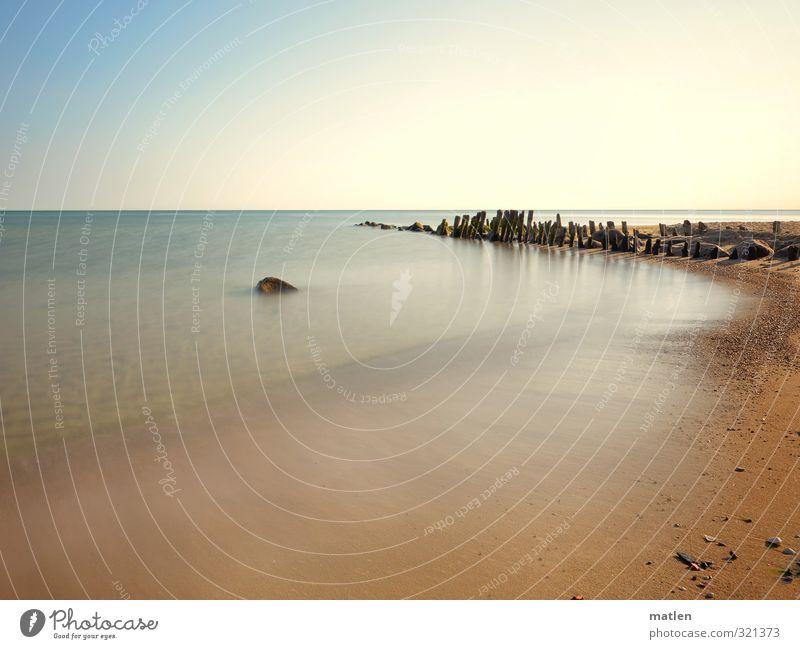 Flaute Himmel Natur blau Wasser Sonne Landschaft Strand Küste Stein Sand Horizont braun Wetter Schönes Wetter Ostsee Buhne