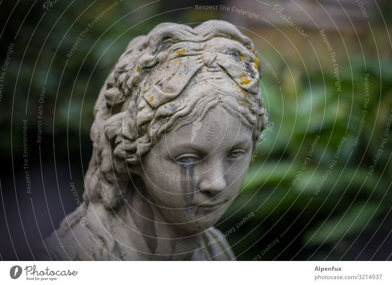 Heul doch ! feminin Junge Frau Jugendliche Kunst Skulptur weinen Traurigkeit Sorge Trauer Tod Liebeskummer Müdigkeit Schmerz Sehnsucht Enttäuschung Einsamkeit