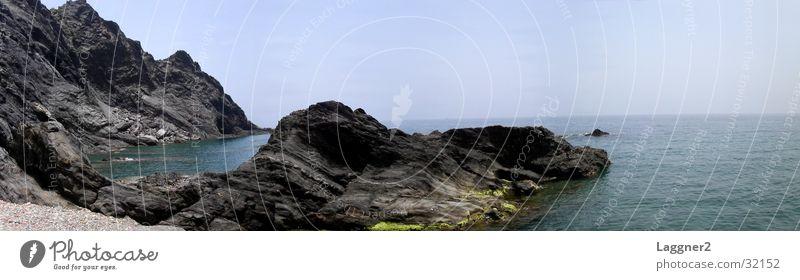 Felsküste Spanien Meer schwarz groß Europa Panorama (Bildformat) Klippe