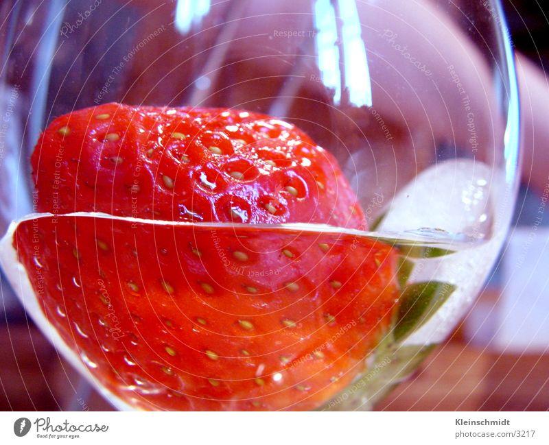 e_bere_1 rot Stil lecker Gesundheit erdbere Ernährung she