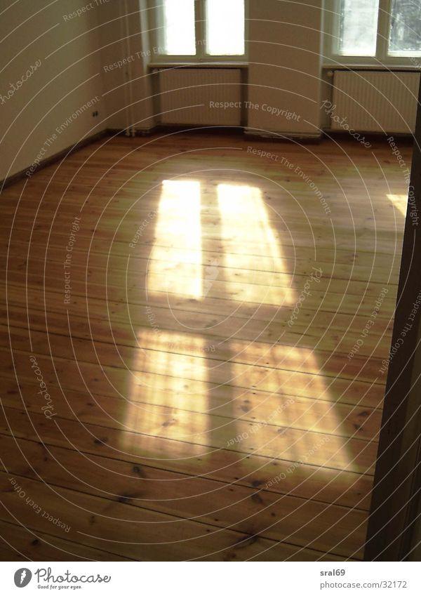Holz-Fussboden-Fenster Holzfußboden Fensterkreuz Licht Architektur Sonne Rücken