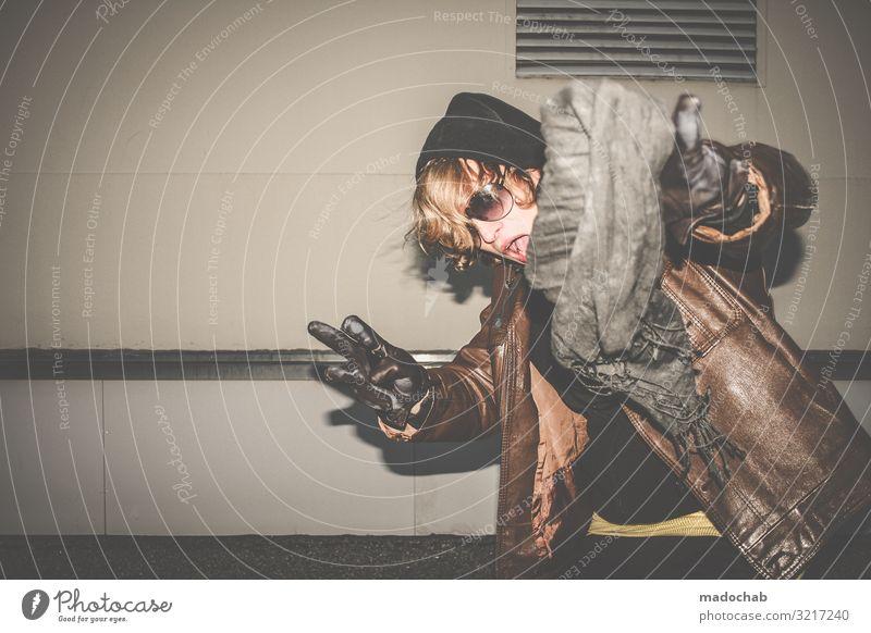 Portrait junger Mann Lifestyle Stil Freude Nachtleben Entertainment Feste & Feiern Mensch maskulin Junger Mann Jugendliche Erwachsene 1 authentisch trendy retro