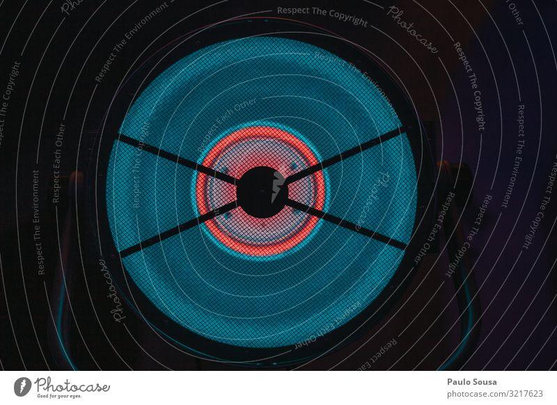 Kreis aus LED-Licht Technik & Technologie ästhetisch Coolness verrückt schön Leuchtdiode Blitze hell-blau abstrakt Farbfoto Innenaufnahme Detailaufnahme