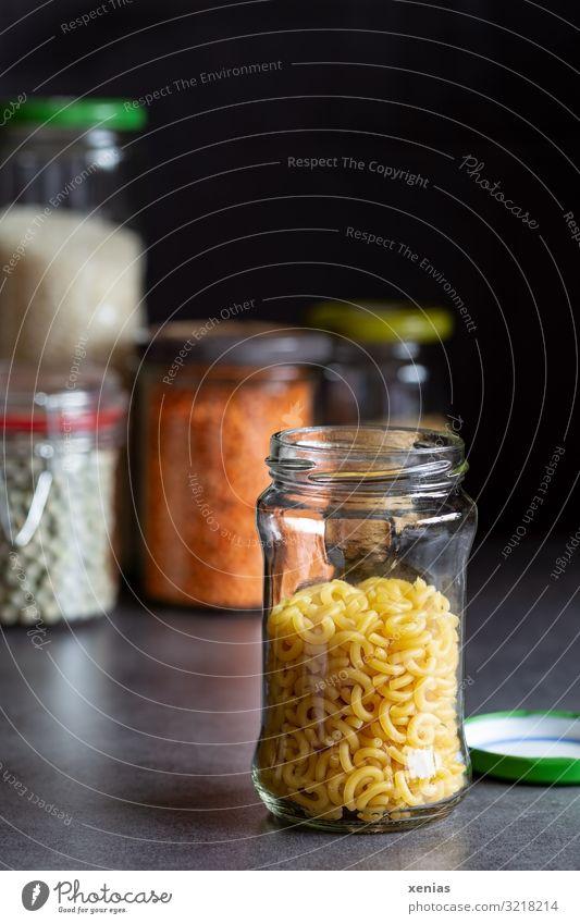 Nudeln ohne Plastikverpackung Lebensmittel Ernährung Glas kaufen Backwaren Getreide Umweltschutz nachhaltig Verpackung Lager Teigwaren Erbsen Linsen