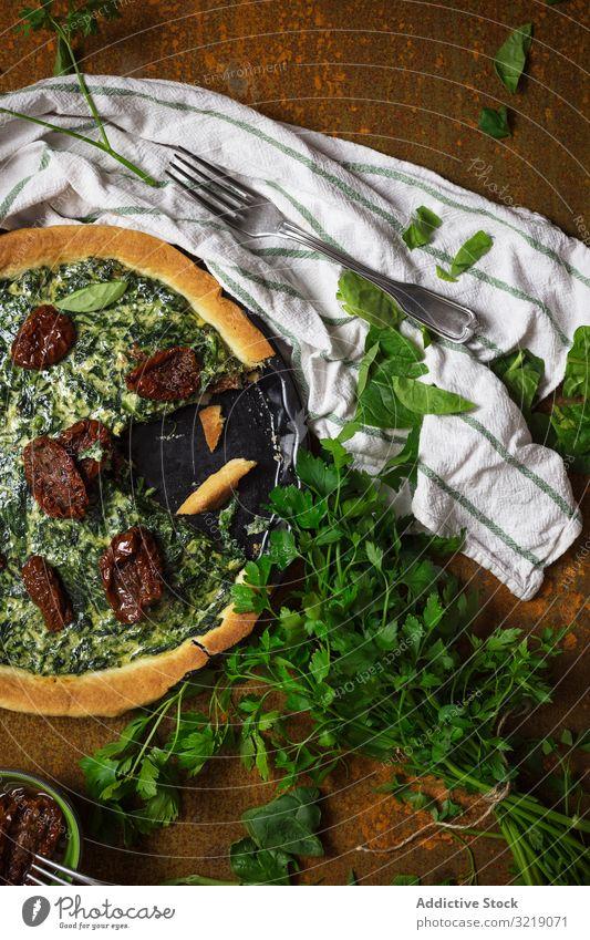 Kräuter und veganes Gericht auf dem Tisch Speise Veganer Kraut Petersilie Gabel Faser Spachtel Küche Gesundheit Lebensmittel Vegetarier frisch grün Mahlzeit