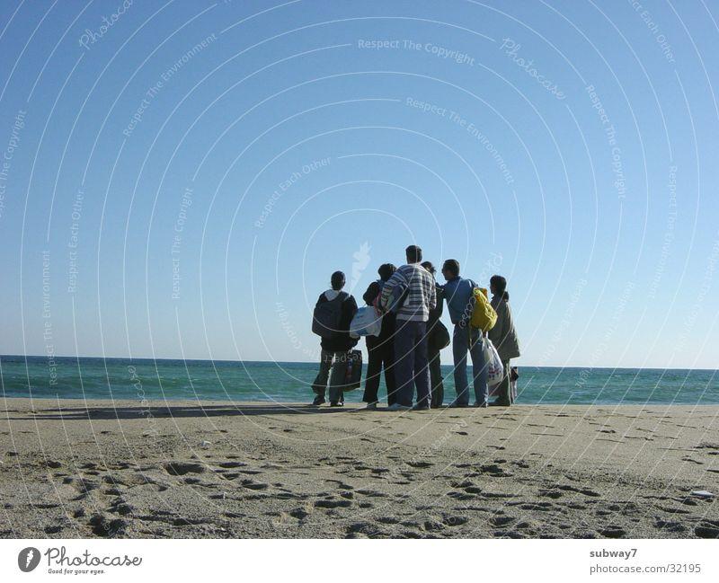 Strand-Gang Frau Mensch Sonne Meer Ferien & Urlaub & Reisen Menschengruppe Sand Küste Europa Freizeit & Hobby Spanien Barcelona beige Völker Mittelmeer