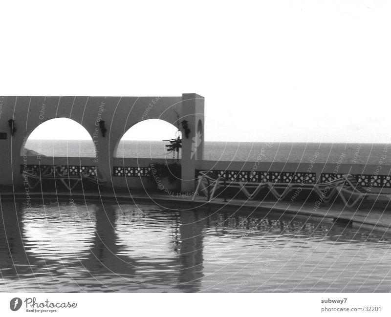 Swimming Pool Wasser weiß Meer Sommer schwarz Küste Architektur Horizont Schwimmbad Gran Canaria