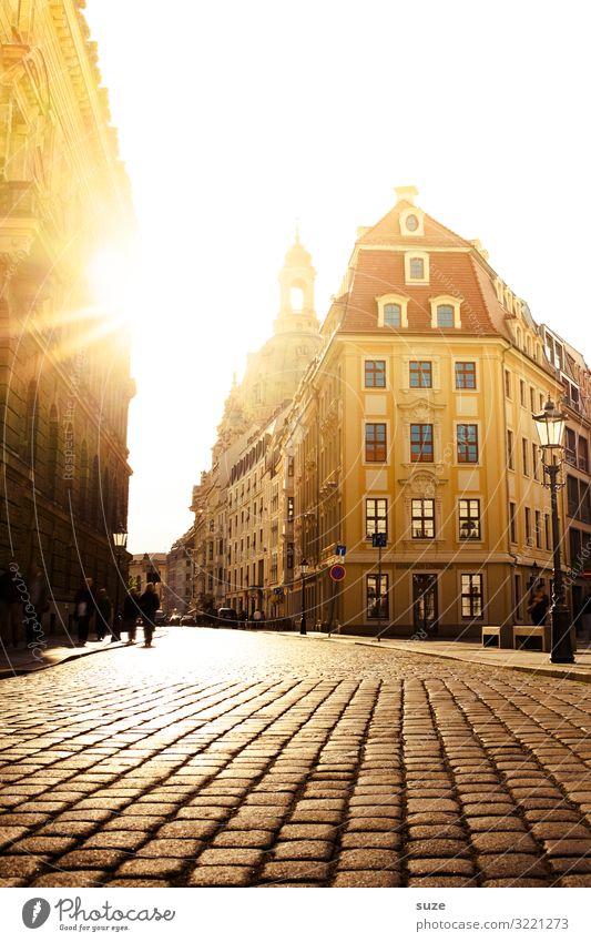 Sonnenpflaster Ferien & Urlaub & Reisen Tourismus Ausflug Sightseeing Städtereise Kultur Stadt Hauptstadt Stadtzentrum Altstadt Haus Kirche Platz Marktplatz