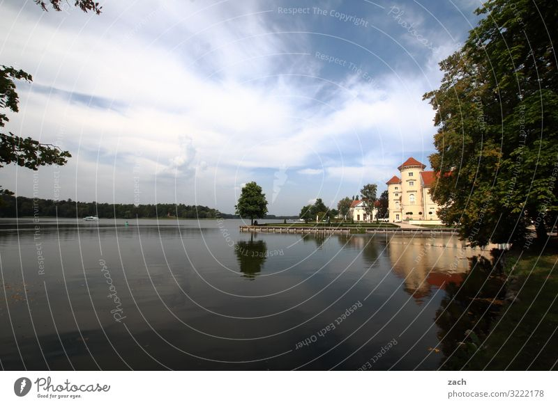 Auf Fontanes Spuren Landschaft Wasser Himmel Wolken Schönes Wetter Pflanze Baum Park Küste Seeufer Rheinsberg Dorf Kleinstadt Altstadt Palast Burg oder Schloss