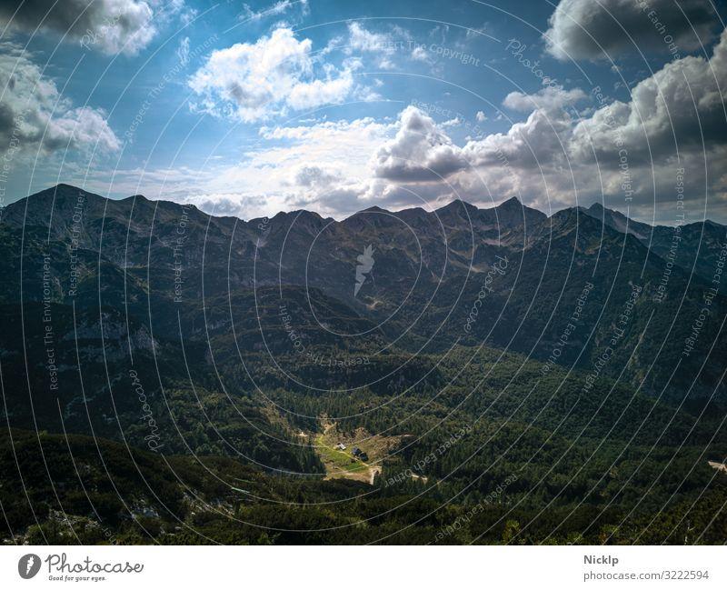 Julische Alpen vom Berg Vogel im Triglav Nationalpark, Slowenien Tourismus Ausflug Expedition Berge u. Gebirge wandern Himmel Wolken Sonne Schönes Wetter Wald