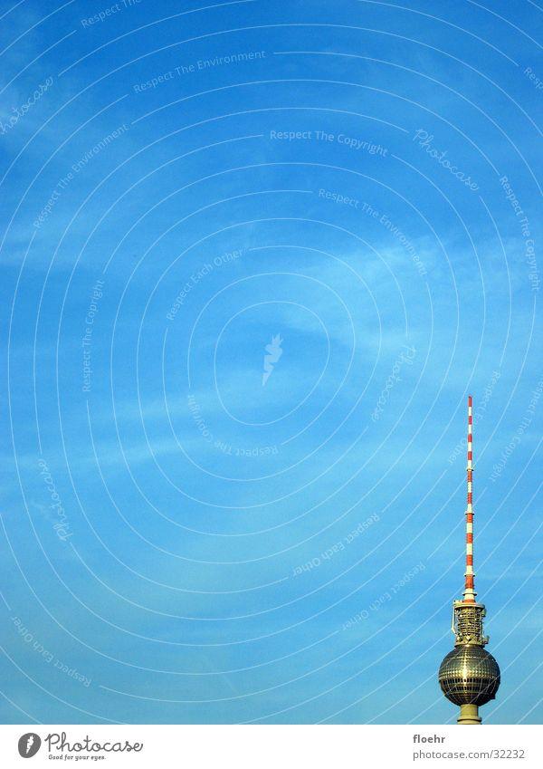 Telespargel Himmel Wolken Berlin Architektur DDR Berliner Fernsehturm Alexanderplatz