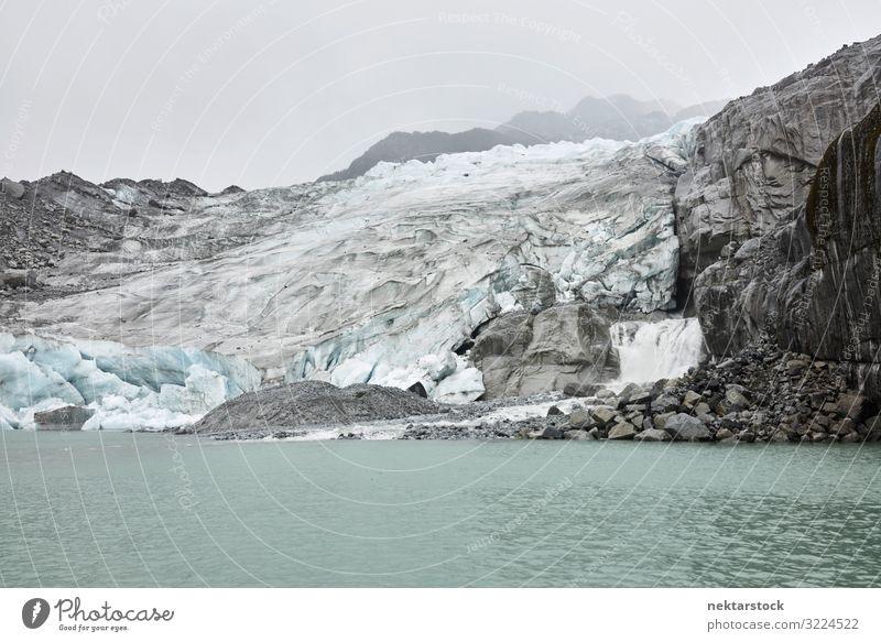 Patagonische Gletscher und nebliger Himmel Abenteuer Natur Landschaft Nebel Felsen Fluss grau Patagonien Chile Südamerika Eis Landschaft - Natur berühmter Ort