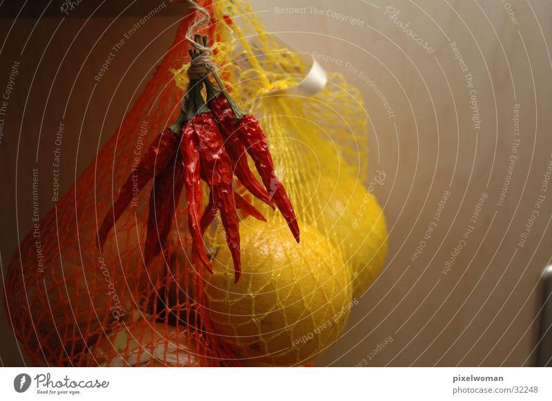 Chili & Zitrone rot Ernährung gelb Netz