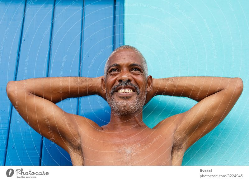 attraktiver reifer Kubaner in den Straßen von Trinidad, Kuba Lifestyle Glück Leben Insel Mensch maskulin Mann Erwachsene Haut Kopf Gesicht Auge Ohr Nase Mund