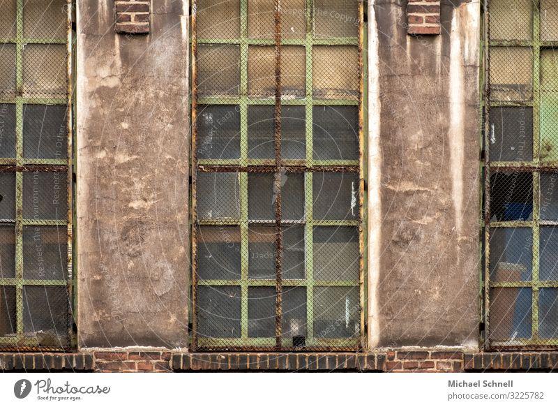 Fabrikfenster alt Stadt Gebäude Arbeit & Erwerbstätigkeit Vergänglichkeit Verfall Rost früher Hagen