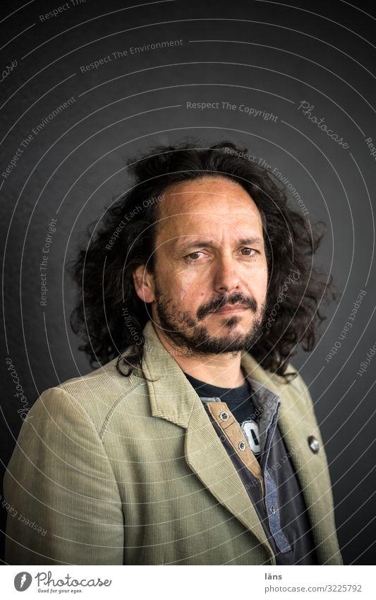 Porträt Mann Denken ernst schweigen