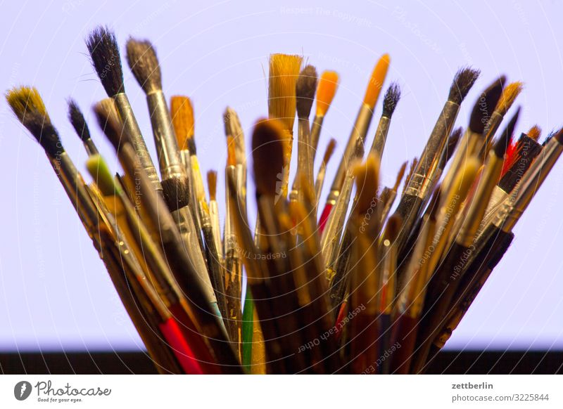 Viele Pinsel Hobelbank mehrfarbig Entwurf Farbe Mediengestalter Grafiker Grafik u. Illustration illustrieren Idee Kreativität Kunst Künstler Gemälde Pastellton