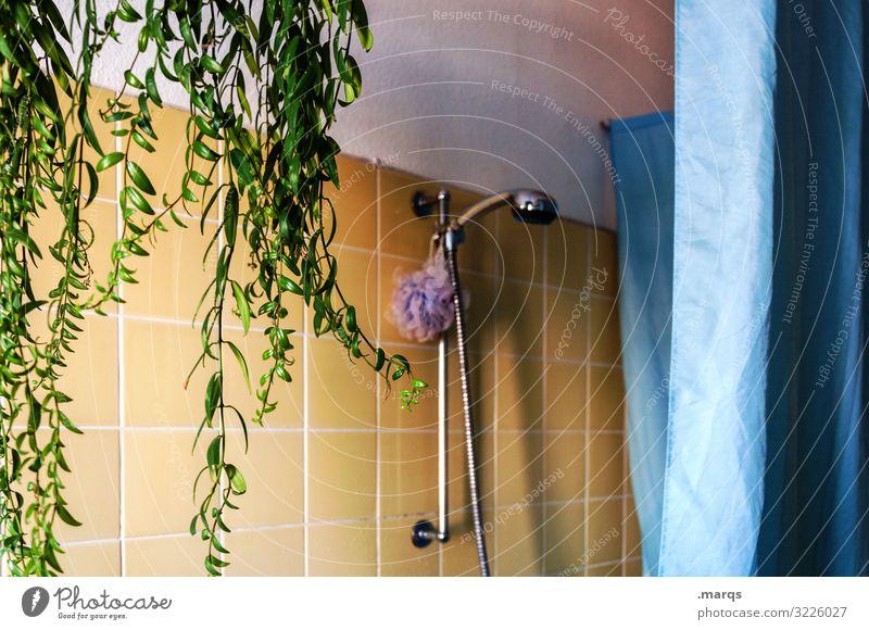 Badezimmer Lifestyle Wohnung Duschkopf Pflanze Duschvorhang Fliesen u. Kacheln authentisch retro blau gelb grün Sauberkeit Altbau Farbfoto Innenaufnahme