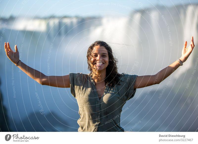 Frei sein Ferien & Urlaub & Reisen Tourismus Abenteuer Freiheit Sightseeing Expedition feminin 1 Mensch Wasser Wolkenloser Himmel Schönes Wetter Urwald