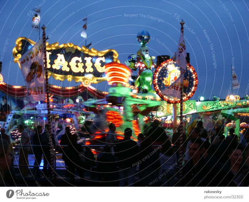 Volksfest Mensch Jahrmarkt Lichtspiel Achterbahn Würzburg