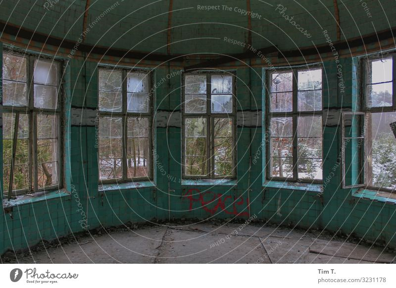 Beelitz Brandenburg Menschenleer Haus Ruine Bauwerk Gebäude Architektur Fenster kalt Ferne 2011 Heilstätte Operationssaal Farbfoto Innenaufnahme Tag
