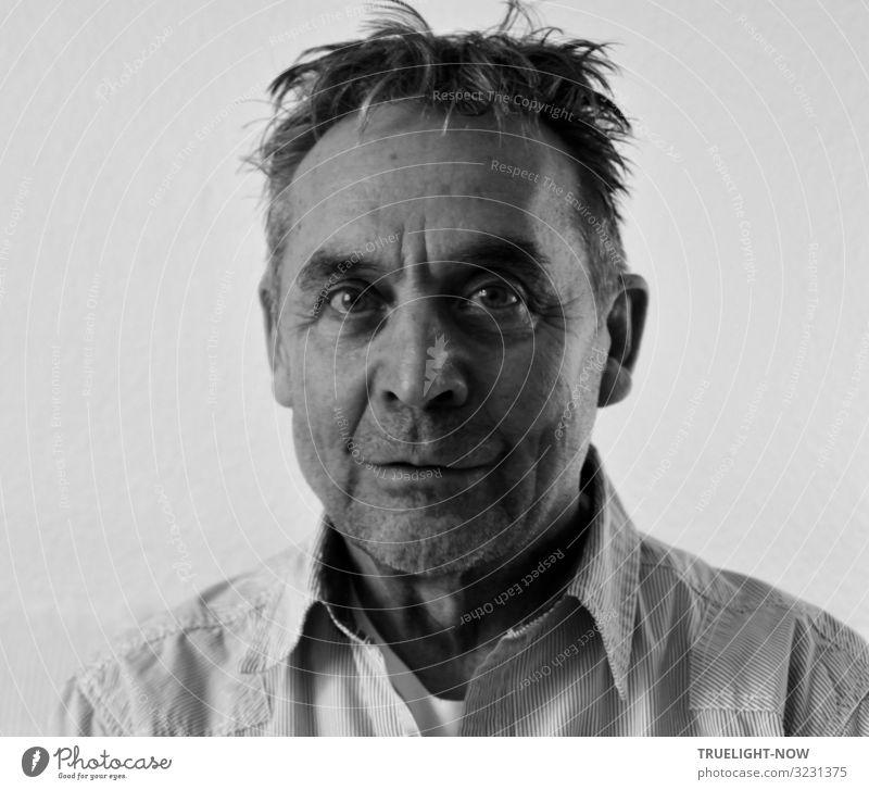 Dem Wahnsinn nahe (Selfie) maskulin Männlicher Senior Mann Gesicht 1 Mensch 60 und älter Hemd Haare & Frisuren kurzhaarig Dreitagebart strubbelig beobachten