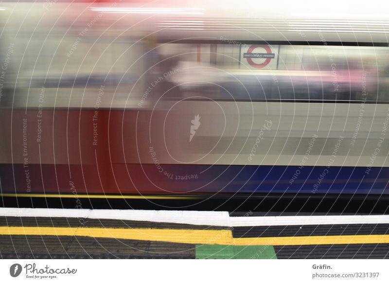 Going Underground London Hauptstadt Bahnhof Tunnel U-Bahn Verkehr Verkehrsmittel Personenverkehr Öffentlicher Personennahverkehr Schienenverkehr Bahnsteig