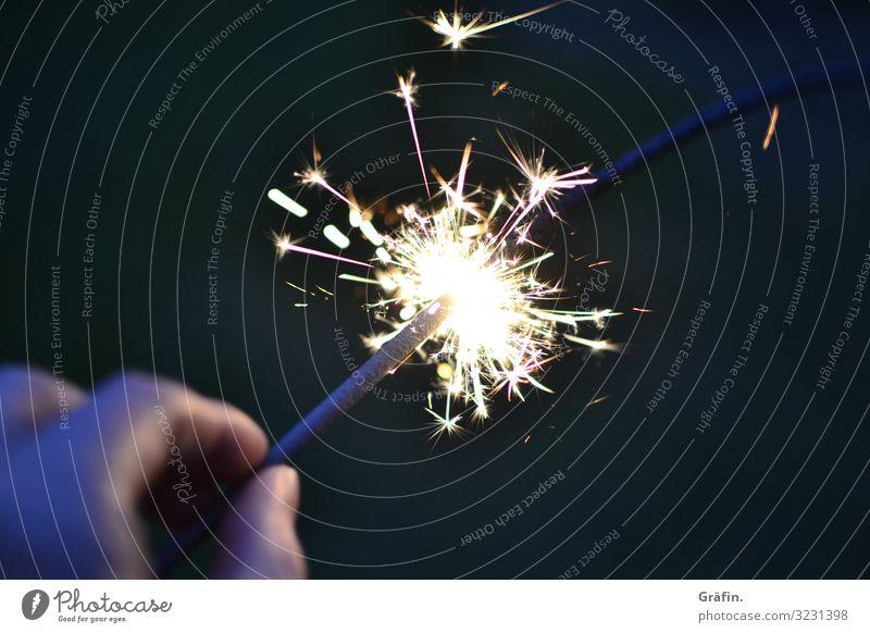 Wunderbare Wunderkerze Party Weihnachten & Advent Silvester u. Neujahr Geburtstag festhalten leuchten dunkel glänzend hell Kitsch gold schwarz Freude Glück