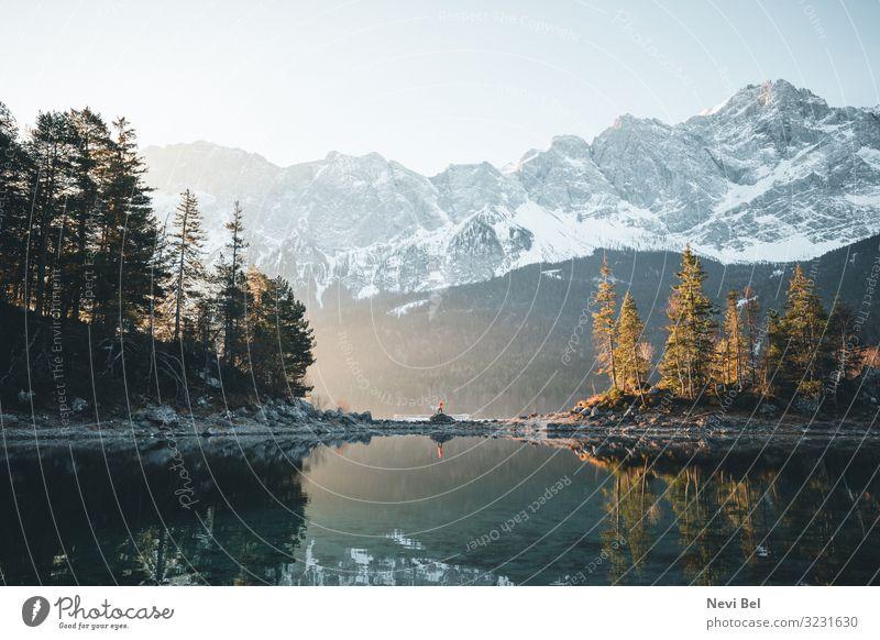 Glory Morning at Lake Eibsee wandern Natur Landschaft Wasser Himmel Frühling Herbst Winter Schönes Wetter Schnee Baum Wald Felsen Alpen Berge u. Gebirge Gipfel
