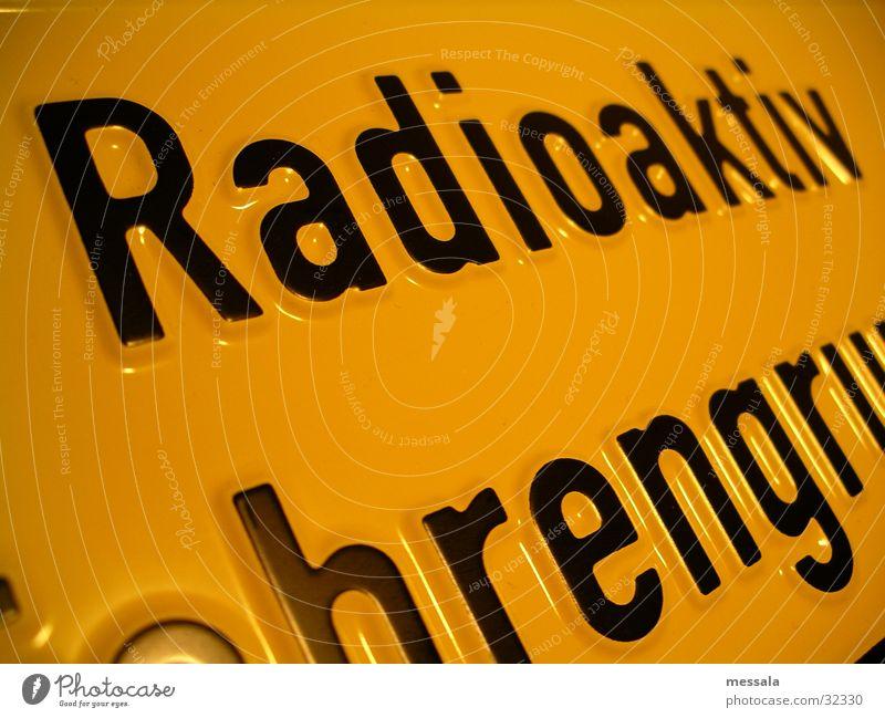 Radioaktiv Schilder & Markierungen Energiewirtschaft gefährlich bedrohlich Schutz Wissenschaften Laser Atom Radioaktivität