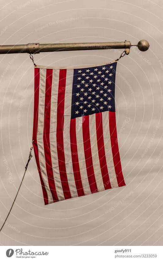 Amerikanische Flagge Stil Ferien & Urlaub & Reisen Tourismus Ferne Freiheit Himmel Wolken Horizont Sehenswürdigkeit Zeichen Fahne blau rot weiß Farbfoto