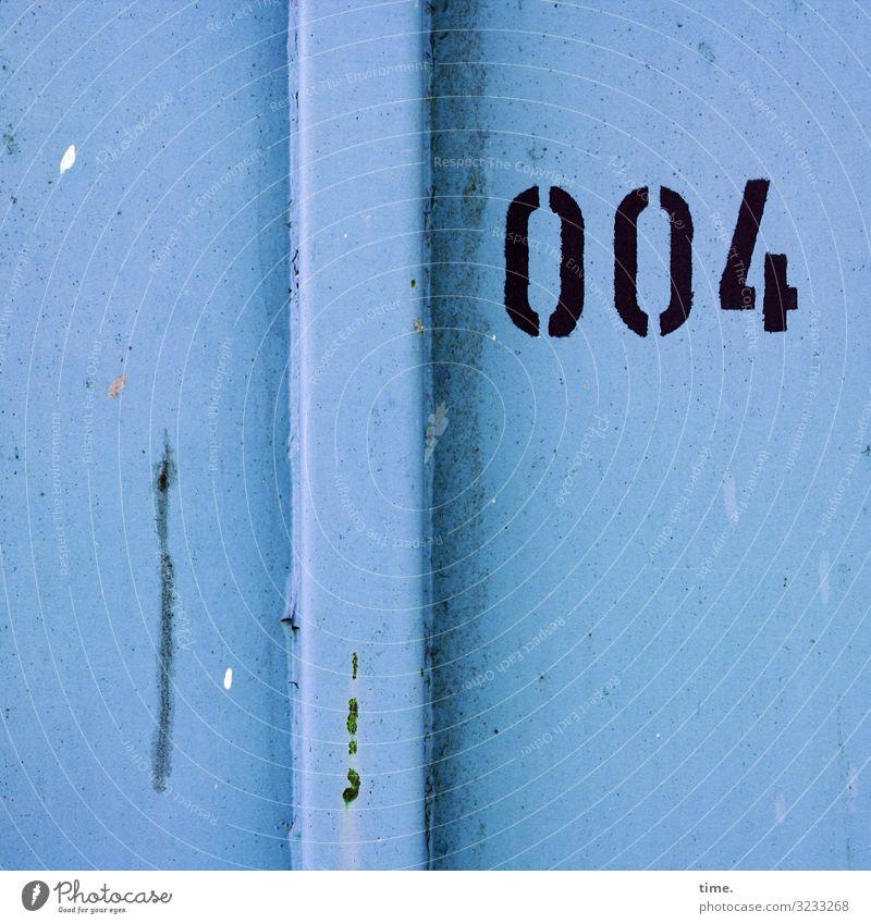 007 war verhindert Container Metall Rost Ziffern & Zahlen Linie Streifen dunkel eckig kaputt trashig blau schwarz selbstbewußt Kraft Ausdauer standhaft