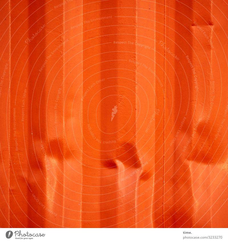 Druckbeulen Container Beule Metall Linie Streifen außergewöhnlich orange Leben standhaft Design entdecken Inspiration Konzentration Kraft Kreativität
