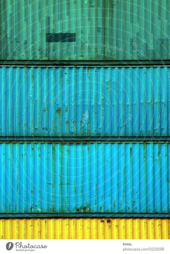 Schichtwechsel (II) Arbeit & Erwerbstätigkeit Arbeitsplatz Güterverkehr & Logistik Dienstleistungsgewerbe Container Metall dreckig fest maritim Stadt blau gelb