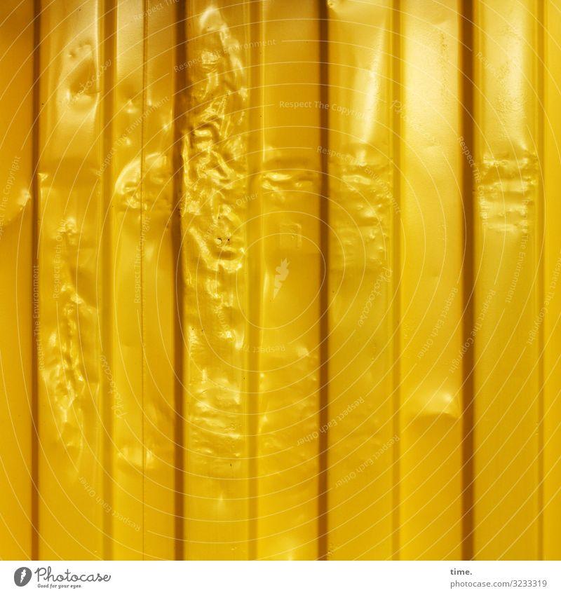 Goldfieber Güterverkehr & Logistik Dienstleistungsgewerbe Verpackung Dose Container Beule Metall Linie Streifen elegant Kitsch reich trashig gelb gold Glück