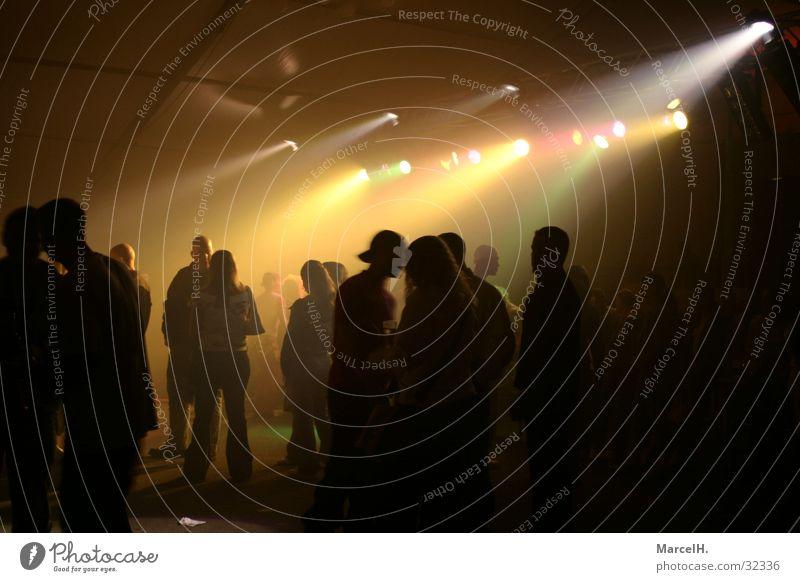 Partytime yellow Mensch weiß schwarz gelb Nebel Disco Geister u. Gespenster Reaktionen u. Effekte