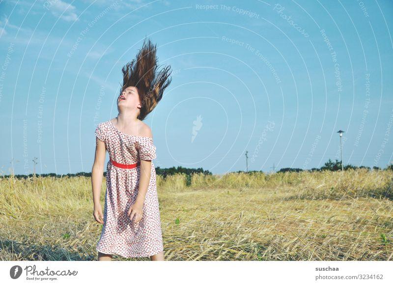 luftig Kind Mädchen Kindheit weiblich jungenhaft Spielen Haare & Frisuren flattern wedeln schleudern Momentaufnahme Lebensfreude Freude Bewegung Unbeschwertheit