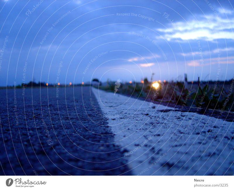 5.30, es war sommer Sonnenaufgang Horizont Asphalt Verkehr Morgen Straße Himmel