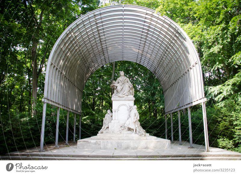 Schutz für Richard Sightseeing Skulptur Sommer Baum Park Tiergarten Schutzdach Denkmal sitzen historisch Originalität Ehre Kultur Qualität Stil monumental