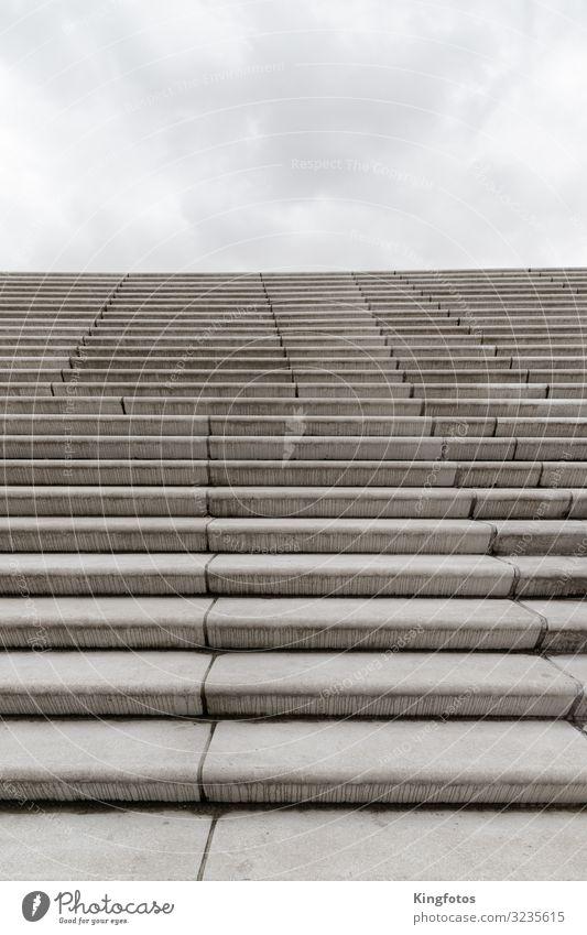 Stairway to Heaven Himmel Wolken Bauwerk Architektur Treppe kalt grau Stimmung Unendlichkeit Stein Niveau Treppenabsatz Aufsteiger hoch Beton Boden Betonboden