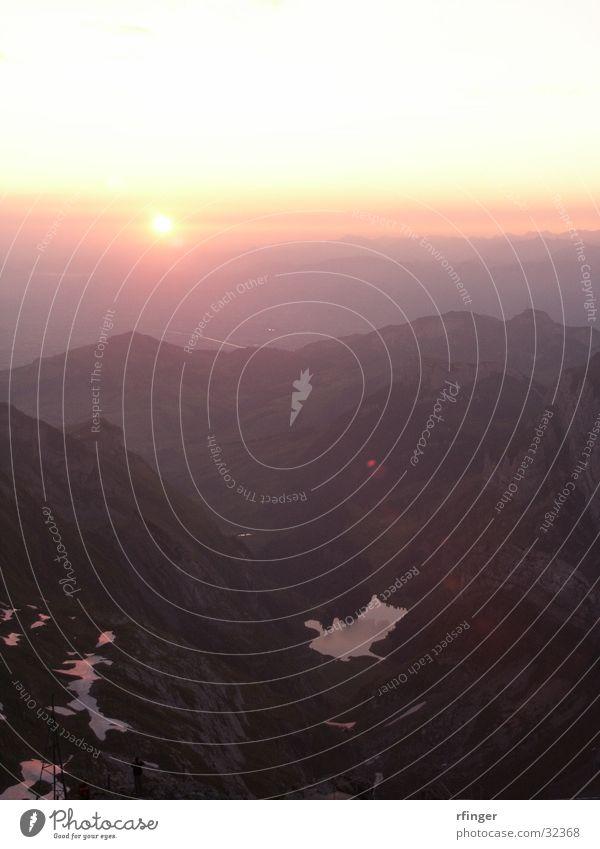 SunriseSäntis Sonnenaufgang Berg Säntis See Stimmung Morgen Berge u. Gebirge Voralpen Alpen Seealpsee Bodensee Morgendämmerung