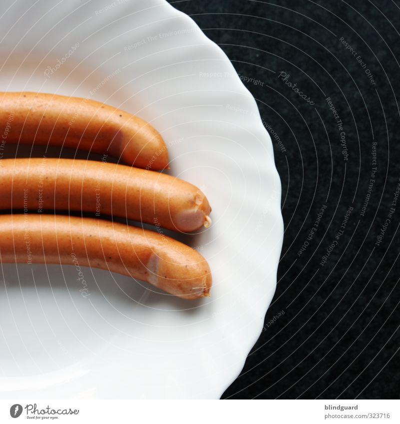 Flotter Dreier weiß schwarz Essen braun Lebensmittel Küche Appetit & Hunger lecker Dienstleistungsgewerbe Teller Mittagessen Wurstwaren satt Würstchen Keramik