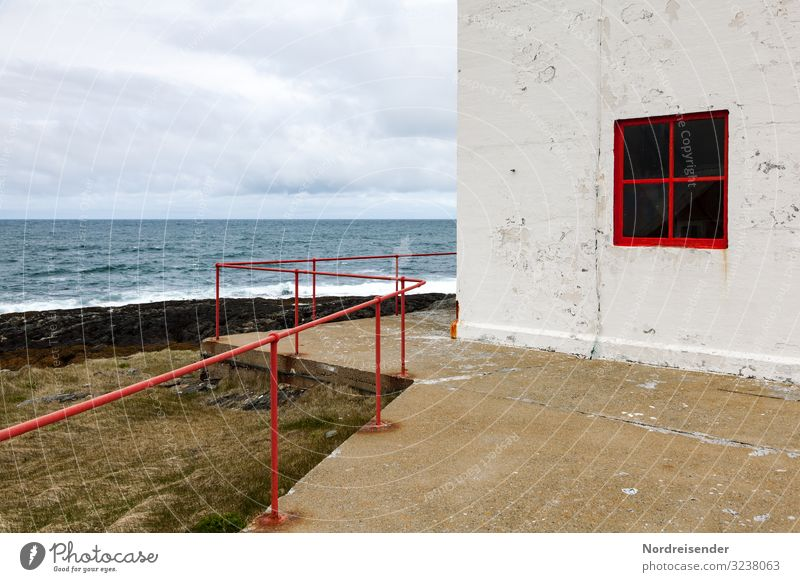 Barentssee Himmel Ferien & Urlaub & Reisen Natur Wasser Landschaft Meer Haus Wolken Einsamkeit Fenster Architektur Wand Wege & Pfade Küste Gebäude Mauer