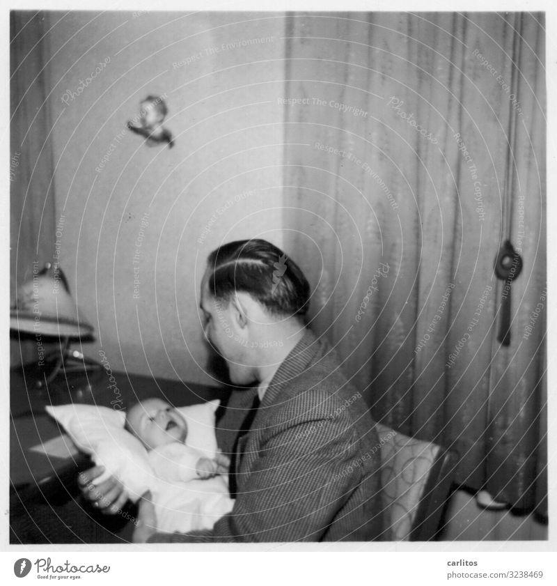 Ein Engel und ein Bengel Kind Sohn Vater Junge Baby Fünfziger Jahre Vertrauen Zuneigung Liebe Geborgenheit Kindheit Kindheitserinnerung Wirtschaftswunder