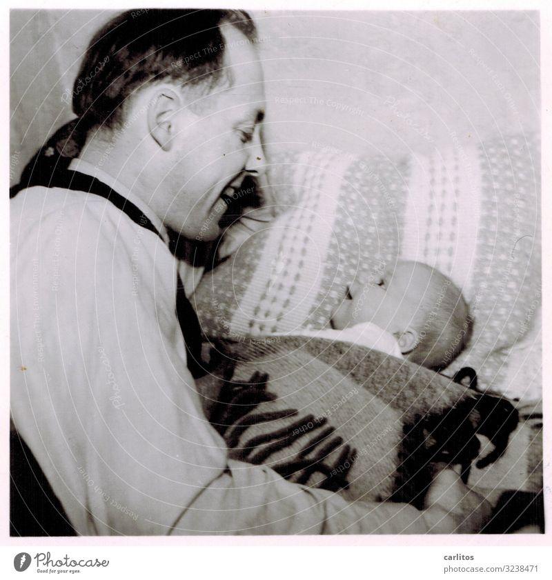 Als ich noch klein und niedlich war Kind Liebe Zusammensein Zufriedenheit Kindheit Baby Kindheitserinnerung Freundlichkeit Wohlgefühl Vater positiv früher Sohn
