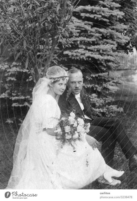 Bis dass der Tod ... Liebe Familie & Verwandtschaft Deutschland träumen Zukunft Hochzeit planen Körperhaltung Blumenstrauß Erinnerung Jubiläum Erscheinung