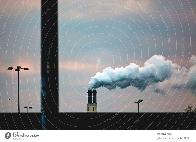 CO2 again Schornstein Rauch Abgas Wasserdampf Umweltschutz Umweltverschmutzung Kohlendioxid Fabrik Industrie Himmel Himmel (Jenseits) Berlin Dunst Nebel Herbst