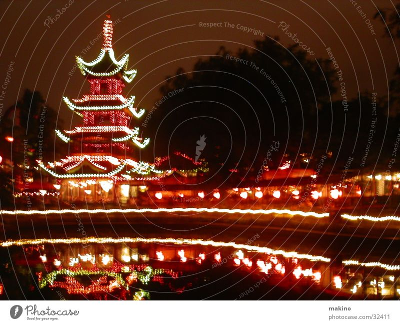 Tivoli Kopenhagen Licht China Club Dänemark Abend Wasser Turm Architektur